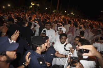 201802middleeast_kuwait_parliament_protest
